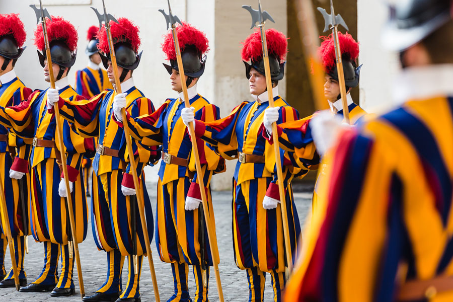 Quo Italy Greece - Vatican City - Swiss Guard