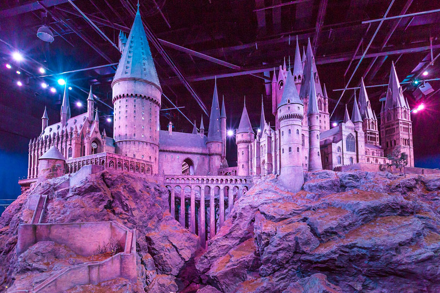 Quo4_HarryPotter_A scale model of Hogwarts at The Warner Bros. Studio Tour