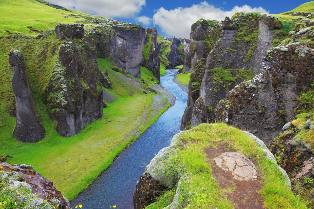 Quo_Iceland_Riverbed