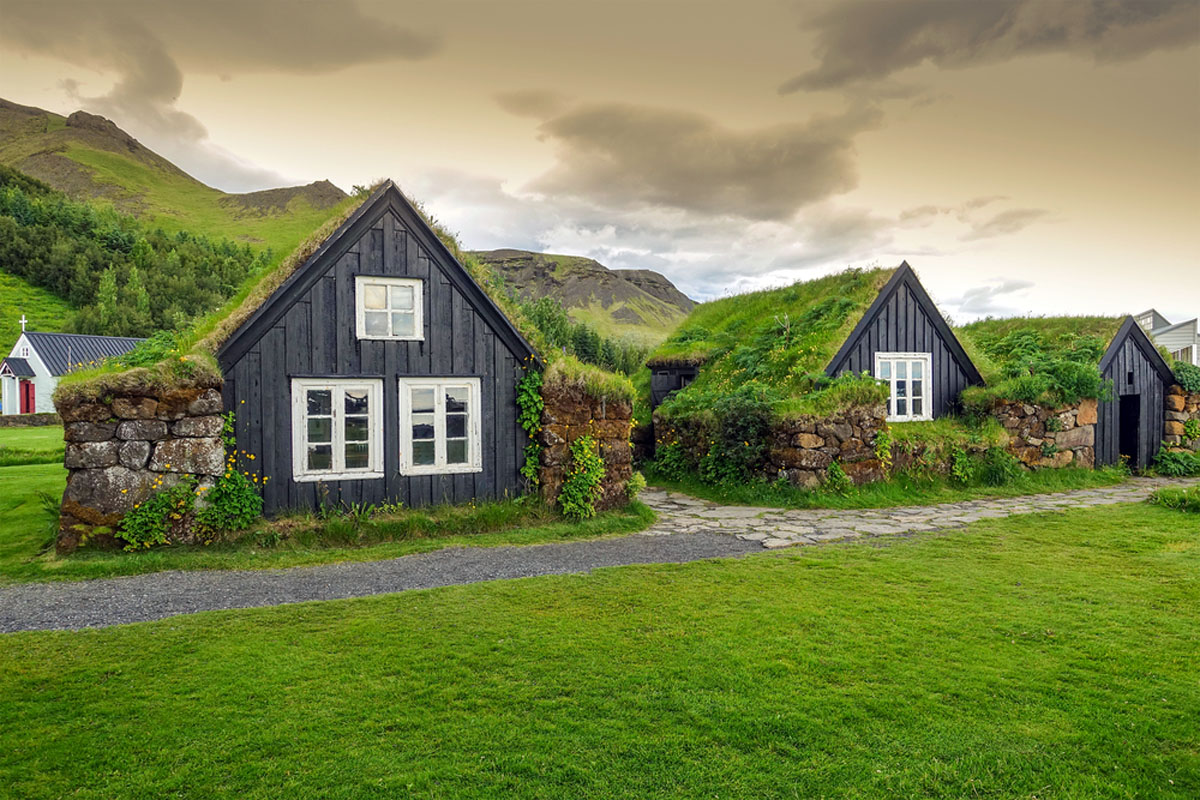 Quo_Iceland_Buried-Houses_Web