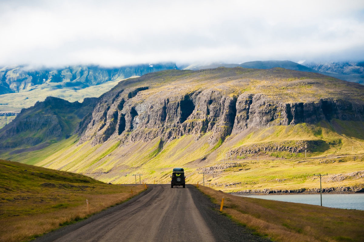 Quo_Iceland_Island-Road-Driving_Web