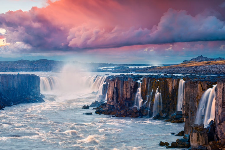 Quo_Iceland_Waterfalls_web